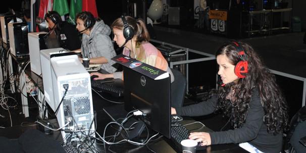Девушки в киберспорте